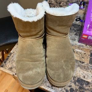 Women's Uggs size 10